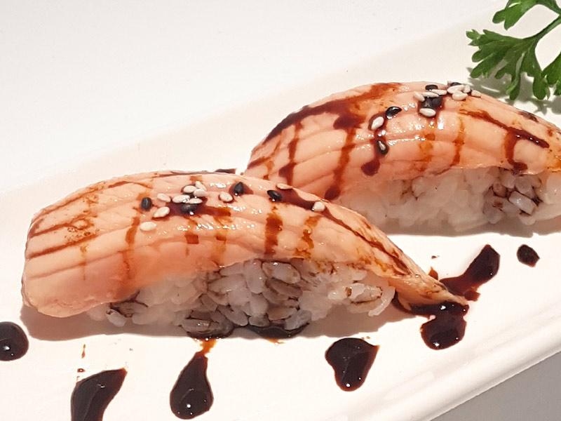 nigiri sushi sashimi